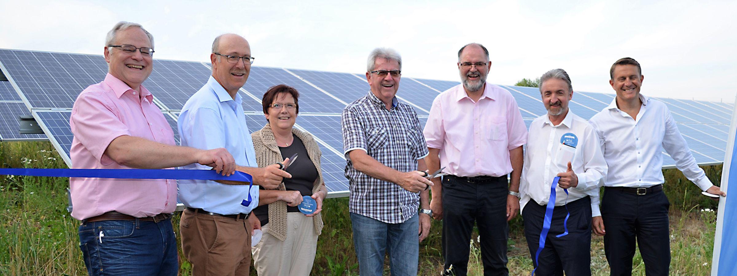 Bürgerenergie Region Regensburg e.V bei der Einweihung der Freiflächen PV-Anlage